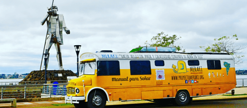Proyecto Meraki, un autobús amarillo lleno de libros